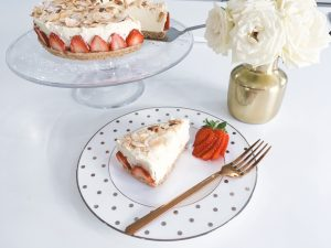 cheesecake serve sliced