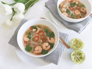 hot sour prawn noodle soup serve4